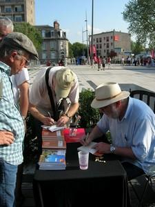 Jean Roux en signature (en bas à droite)