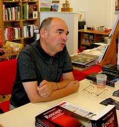 Michel Danguiral répond aux questions du public.