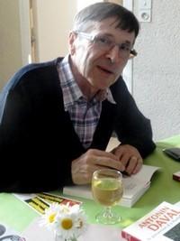 Félix Daval en signature.